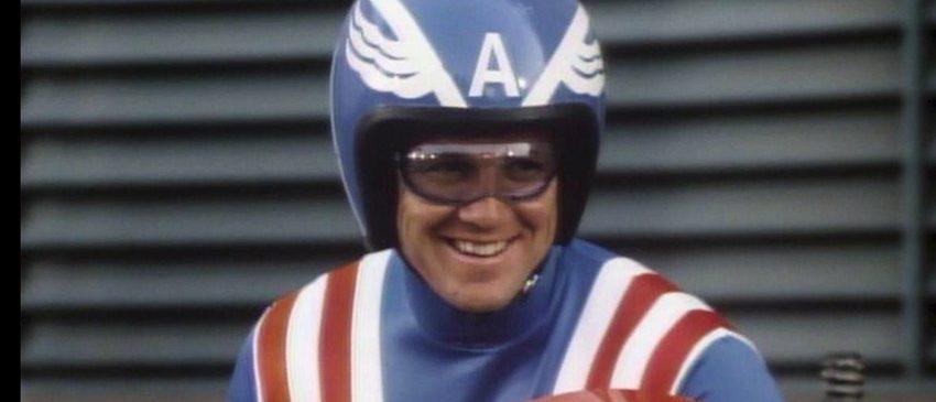 Darth Blender | Capitão América e sua fantástica moto de papelão!