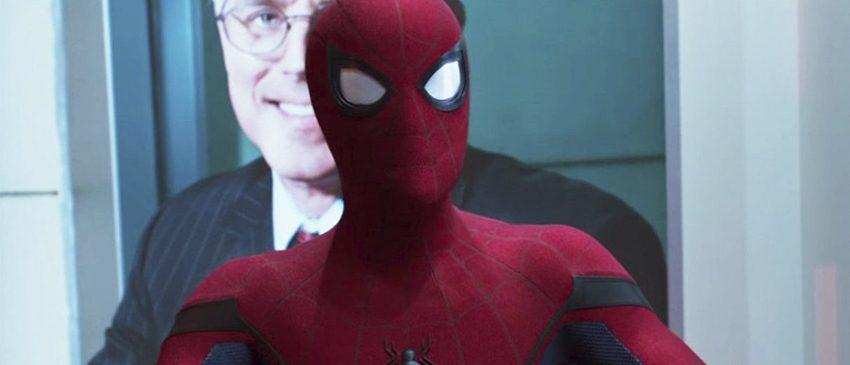 Homem-Aranha: De Volta ao Lar | Peter está atrasado para a escola em novo cartaz internacional!