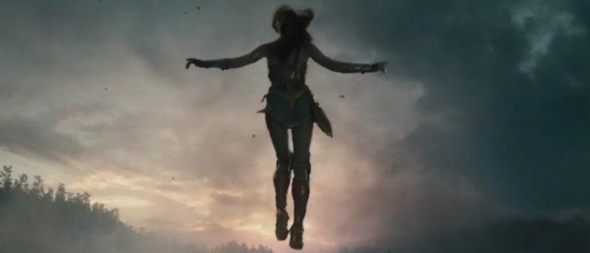 MULHER-MARAVILHA | Novo vídeo mostra a força de Diana e uma vislumbre de Ares, o Deus da Guerra!