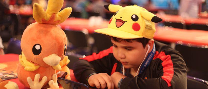 CARD GAME | Brasileiro conquista o Primeiro Campeonato Internacional de Pokémon TCG!
