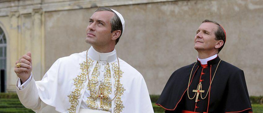THE YOUNG POPE | FOX Premium anuncia chegada da série com fumaça branca no Rio!