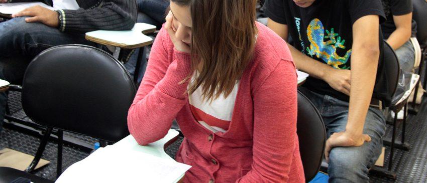 NOTA MÁXIMA | Professora viraliza com dicas para a melhor nota na redação do ENEM!