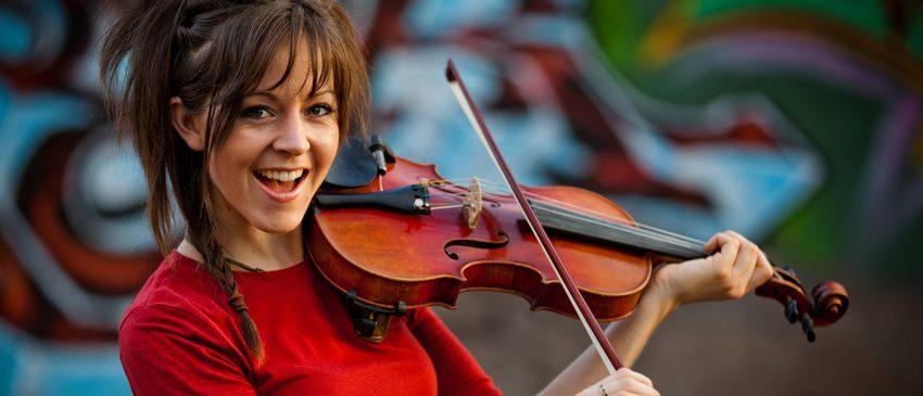 BORA CURTIR | A rainha do violino Lindsey Stirling estará no Brasil!