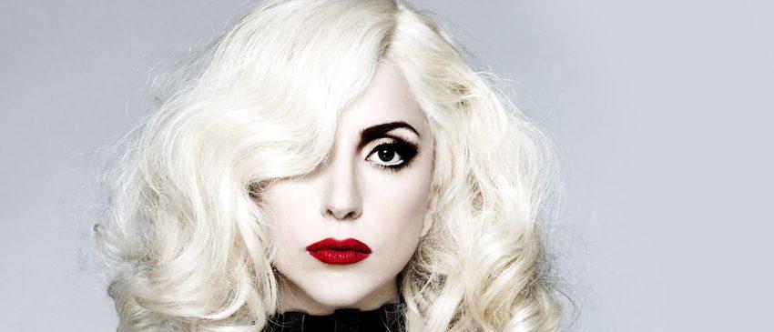 GAGA: FIVE FOOT TWO   Atenção Little Monsters! O teaser do documentário sobre a Lady Gaga chegou!