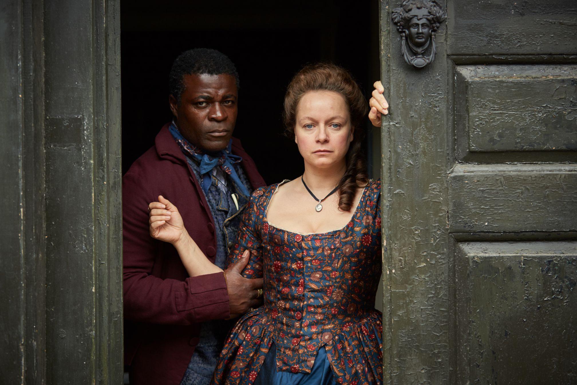 FOX PREMIUM - HARLOTS - Samantha Morton es Margaret Wells y Dany Sapani es William North