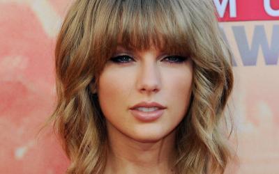 MÚSICA | Sexta-feira de novidades de Taylor Swift!