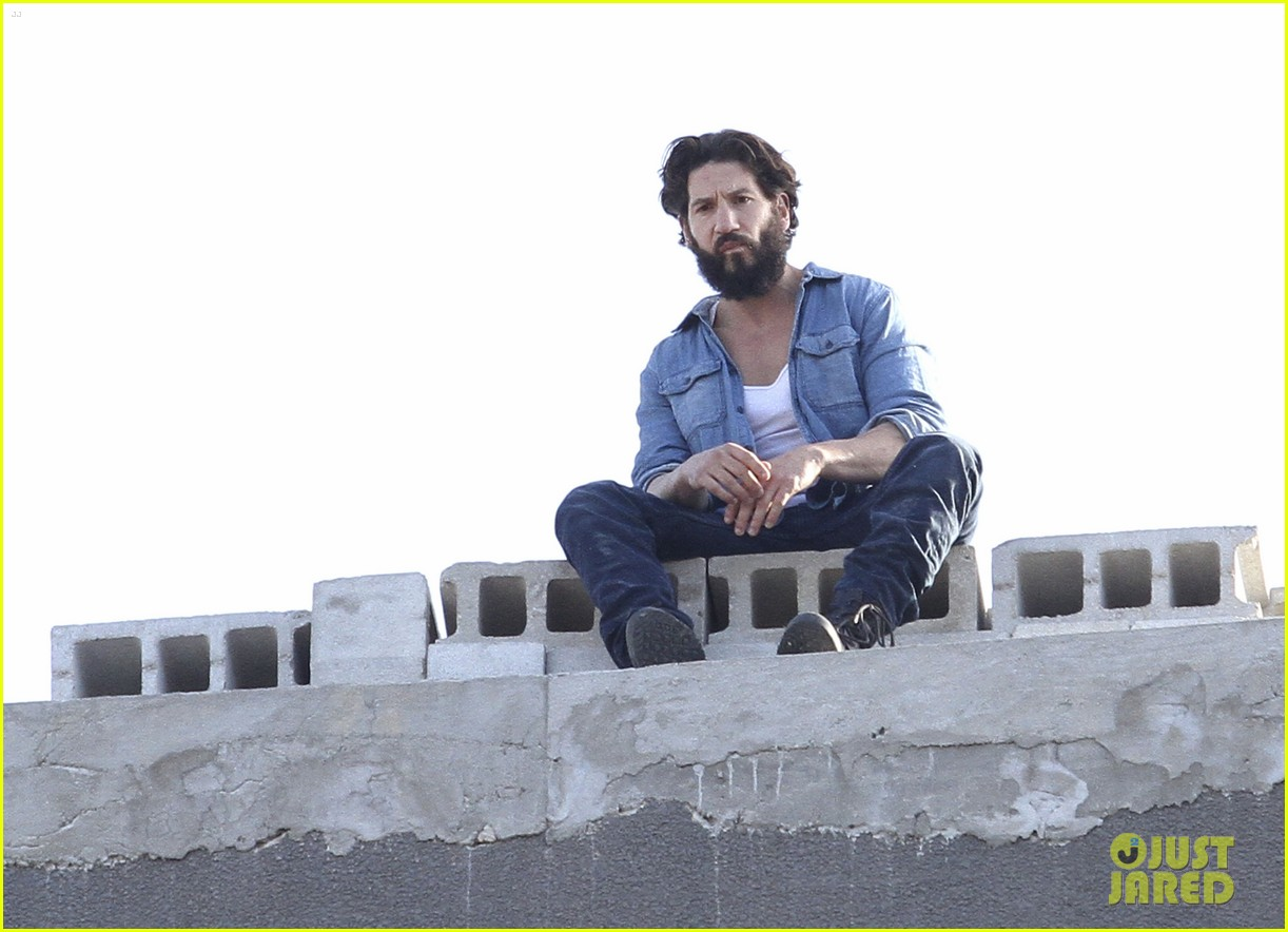 Jon Bernthal Doing Stunts For 'The Punisher' In Brooklyn