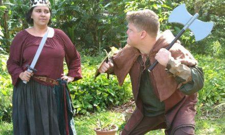 DEUS SALVE O REI | OMG! Viramos personagens medievais!!
