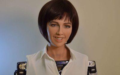 "SKYNET? | Sophia, a robô ""genocida"" ganha cidadania Saudita!"