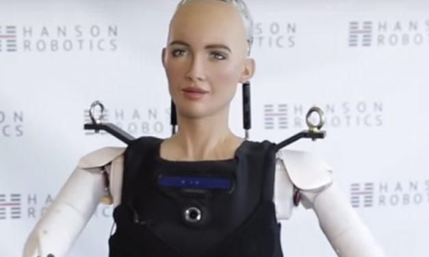 MEDO REAL | Sophia, a robô com cidadania saudita, agora sabe andar!