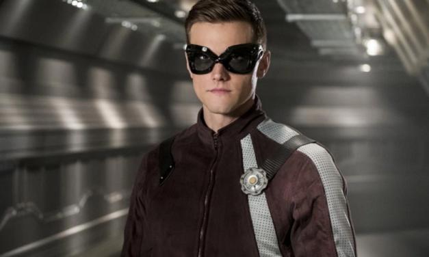 THE FLASH | Imagens revelam o novo uniforme do Homem-Elástico!