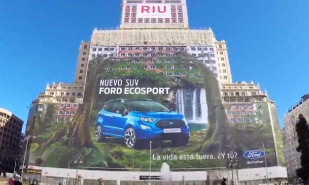 FORD ECOSPORT | Carro entra para o Guinness com maior outdoor do mundo!