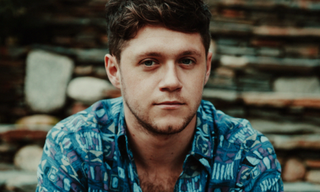MÚSICA   Niall Horan lança clipe para 'On The Loose'!