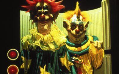 CHUCKY E PALHAÇOS ASSASSINOS | A noite de Halloween mais amedrontadora do espaço sideral!