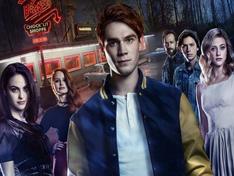 RIVERDALE   Warner Channel entrevista o elenco da série durante a Comic Con!