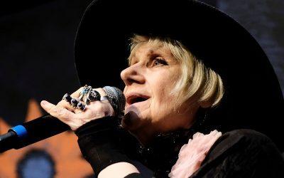 FLIP | Liudmila Petruchévskaia cantou canções junto ao público e divertiu todos!