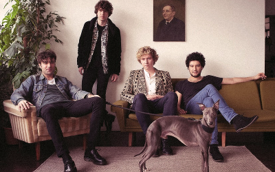 MÚSICA | The Kooks lança o álbum 'Let's Go Sunshine'