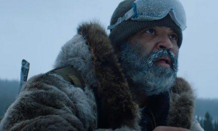 NOITE DE LOBOS | Ator de Westworld luta contra lobos perigosos em trailer da Netflix!