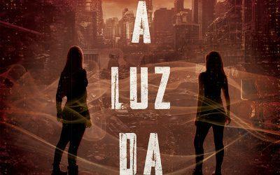 SOB A LUZ DA ESCURIDÃO | Livro de brasileira sobre mundo fantástico faz sucesso!