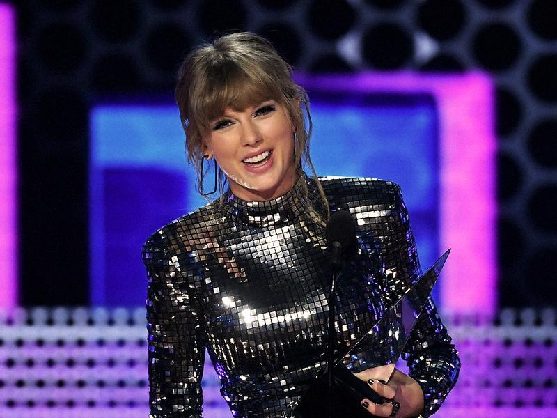 MÚSICA   Taylor Swift apresenta 'I Did Something Bad' no AMAs 2018
