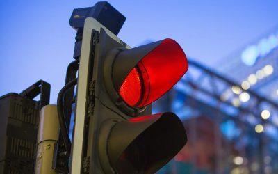 FORD   Já imaginou dirigir sem parar em sinais vermelhos?