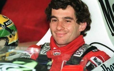 AYRTON SENNA   Corredor ganha estátua em homenagem a sua primeira vitória na F1!