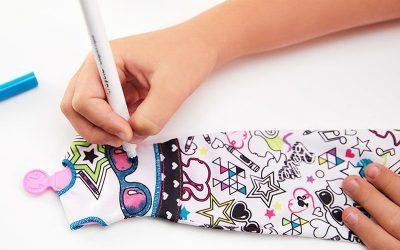 BARBIE   Junto com a Crayola, crianças podem criar suas próprias roupas para bonecas!