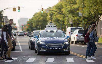FORD   Empresa realiza mais testes com sinais de carros autônomos!