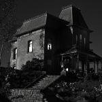 TERROR | As 10 casas usadas nos filmes mais assustadores de todos os tempos!