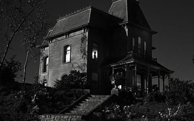 TERROR   As 10 casas usadas nos filmes mais assustadores de todos os tempos!