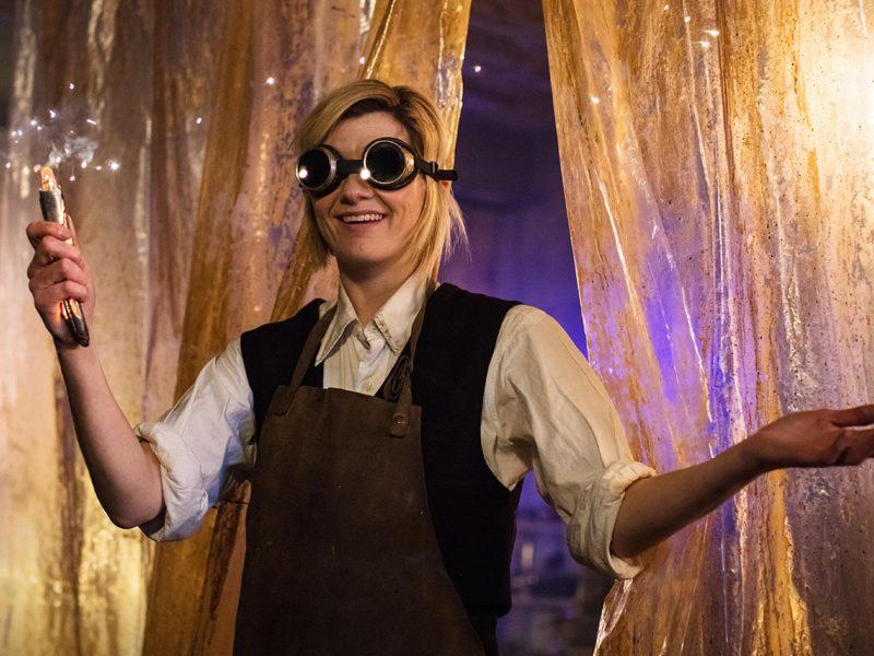 DOCTOR WHO | Jodie Whittaker mostra a que veio no episódio de estreia!
