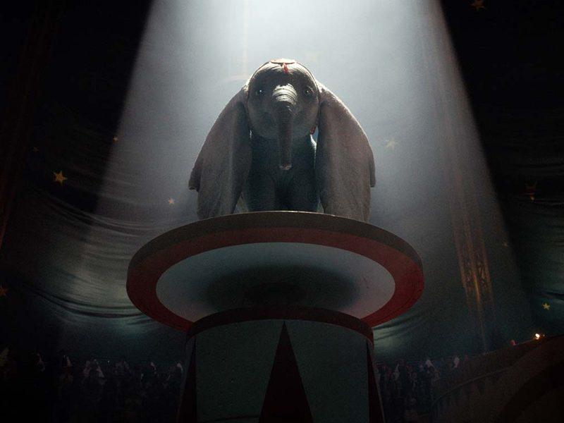 DUMBO   Novo trailer mostra a mãe do elefante sendo levada!