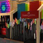 CCXP   Uma floresta de lápis de cor te espera no estande da Faber-Castell!