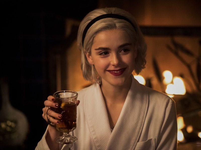 SABRINA | O especial de Natal mais satânico da Netflix!