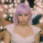 BLACK MIRROR | Quinta temporada traz Miley Cyrus para as telas! Veja o trailer!