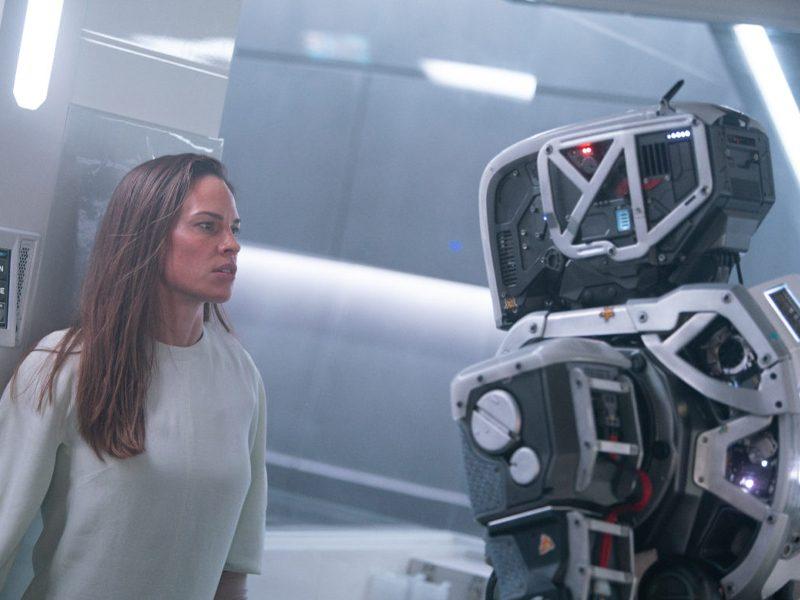 I AM MOTHER | Pessoas criadas por mães robôs em novo filme da Netflix!