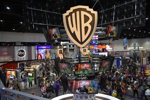 SDCC   Warner Bros. e DC se juntam em um mega stand este ano!