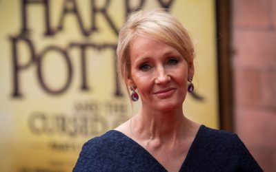 HARRY POTTER | Peça de Cursed Child ganha nova logo na Broadway!