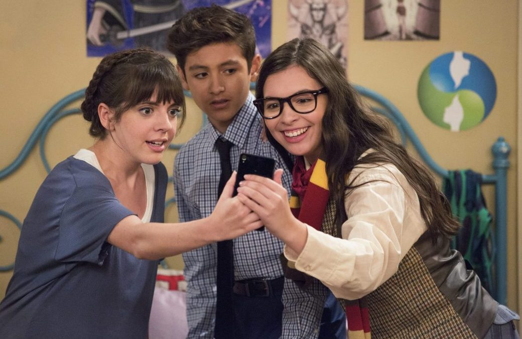 ONE DAY AT A TIME |  página oficial anuncia data de estreia da 4ª temporada!