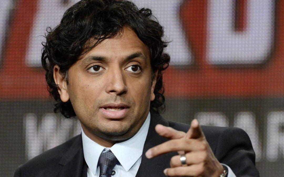 M. NIGHT SHYAMALAN | Diretor fará dois filmes da Universal!