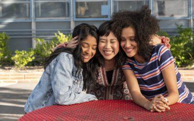 EU NUNCA | Nova comédia adolescente da Netflix ganha trailer!