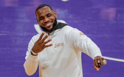 Clubhouse faz parceria com empresa de LeBron James